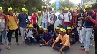 Students comes in support of Hardik Patel and Alpesh Kathiriya