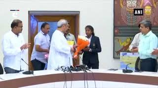 CM Naveen Patnaik awards cash prizes to Asian Games winner hockey players