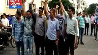 જામનગર-હાર્દિક પટેલની અટકાયત થતા પાસના કન્વીનરો દ્વારા દેખાવો કરાયો 15ની અટકાયત