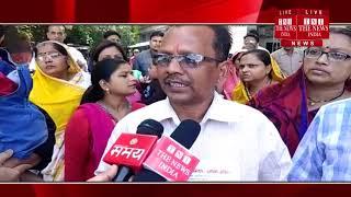 [ Jhansi ] झाँसी कार्यालय में हरिश्चंद्र साहू और मनोज साहू ने दुकान पर कब्जा ज्ञापन एसीएम को सौंपा