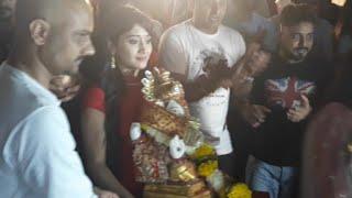 Shivangi Joshi Carrying Ganpati Bappa In Hand - Ganpati Visarjan 2018 - Yeh Rishta Kya Kehlata Hai