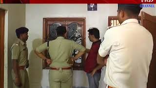 Bodeli : Dinadahade  steals Rs 7.30 lakh and 20 tola gold