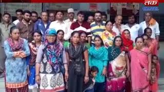 Metoda : Mid Day Meal Program Organized In Fort Of Government Office