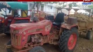 Dwarka : 3 JCB along with tractor is caught due to sand thept