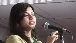 राठ में कविता तिवारी ने पढ़ी उमंग भर देने वाली कवितायें,आप भी सुनिये