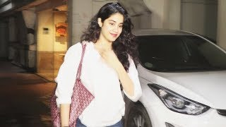 Janhvi Kapoor Spotted At Arjun Kapoor House | Watch Video