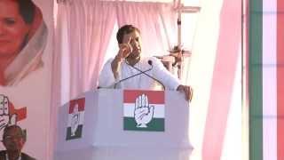 Rahul Gandhi in Mandsaur, Madhya Pradesh on Nov 22, 2013