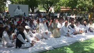 Smt. Sonia Gandhi, former PM Manmohan Singh and Rahul Gandhi at Gandhi Ashram Bapu Kuti in Wardha