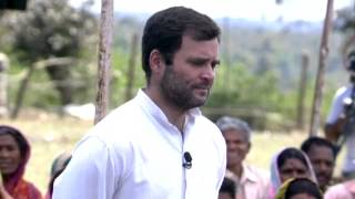 Rahul Gandhi's Interaction with Tribal Workers at Mandla, Madhya Pradesh on March 22, 2014