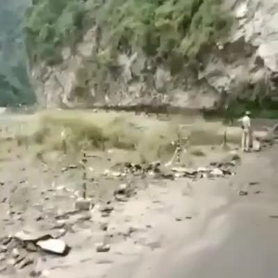 I don't usually lose my temper, but if I get angry, it's true - I'm scary (Mother Nature) | NH - 21 Mandi - Kullu Highway