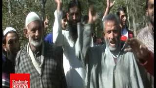 #KashmirCrownListeningProtest In Rafiabad Dogripora Against R&B Authorities On Fraudulent Road Work