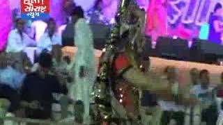 સોમનાથ-રંગીલા રાસ ઉત્સવમાં સિંહમાં મોરા પહેરી સિંહને શ્રદ્ધાંજલિ અપાય