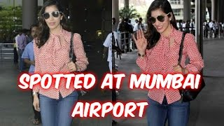 Sophie Choudry Spotted At Mumbai Airport