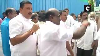 AIADMK supporters celebrate Madras HC's verdict on 18 disqualified MLAs