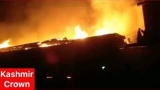 #FireIncident  Massive Fire in Chanpora Srinagar,Shops and Houses Gutted.