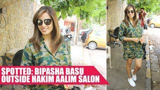 Check Out: Bipasha Basu's casual chic look