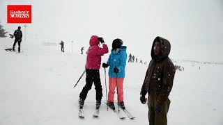 Kashmir receives season's first snowfall | Kashmir Crown Reports