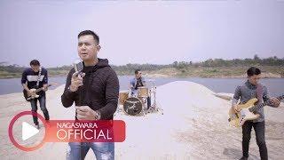 Merpati Band - Hatimu Sekeras Batu (Official Music Video NAGASWARA) #music