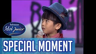 Wow! Lawrence meminta duet dengan Teh Oca! - TOP 7 - Indonesian Idol Junior 2018