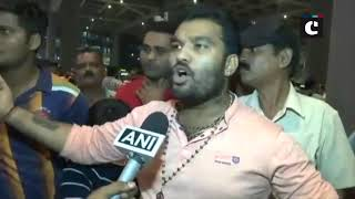 Sabarimala row- Protestors block Trupti Desai at Mumbai airport