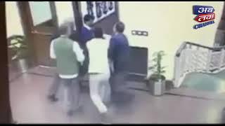 Chilli powder thrown on Arvind Kejriwal inside Delhi Secretariat