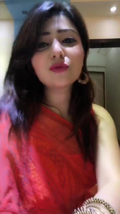 Simmi Pradhan Bollywood Style simmionline.net