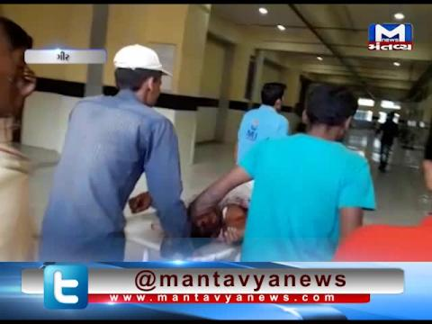 Gir: A Man attacked by Lion died during treatment