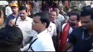 Kishan Reddy Vs Trs Kaleru Venkstesh | Clash | Police Lathi Charge In Amberpet |