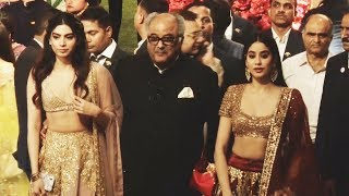 Janhvi Kapoor And Khushi Kapoor At Isha Ambani And Anand Piramal Wedding