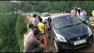 एस डी ओ के पी भारद्वाज ने कहा कि पुल पर से मंगलवार को बड़े वाहन भी गुजर सकेंगे।