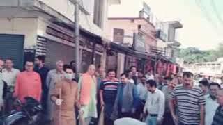सांसद अनुराग ठाकुर ने स्वच्छता अभियान के तहत भोटा बाजार  और बस स्टैंड में साफ सफाई की