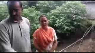 हमीरपुर जिला के कोहला पलासी  गंाव में देर रात हुई बारिश ने कारण शौचालय के साथ बना डग गिरा