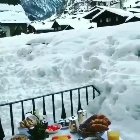 Dinner in the snoww - Who would you invite Mention below