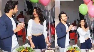 Varun Dhawan Celebrates Fatima Sana Shaikh Birthday | Cake Cutting