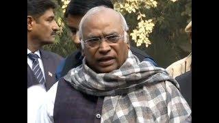 Kharge writes to PM Modi, demands CVC report on Alok Verma be made public