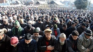 Thousands pay tribute to Salam Rajpori in Pulwama