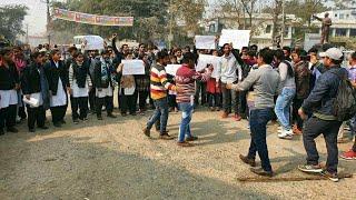 बिहार में 9 साल की मासूम हिन्दू लड़की के बलात्कारीयो को फांसी की मांग को लेकर पर सड़कों पर उतरे युवा