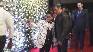 Salman Khan Takes SELFIE With A Kid At Raj Thackeray Son Amit Thackeray's Wedding Reception
