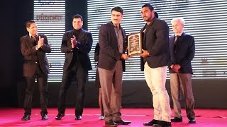 Honoured for outstanding contribution in bodybuilding industry