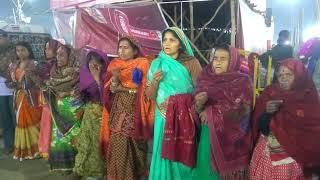 Prayagraj Kumbh 2019: गंगा पूजन के लिए उमड़ा  जनसैलाब |  Ganga Poojan By Women at Sangam Ghat