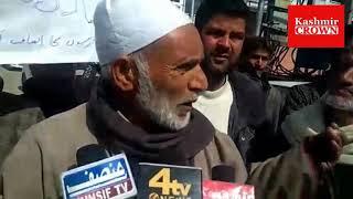 Protest at press colony Srinagar by Artisans of Pattan area