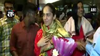 Shuttlers Nehwal, Sindhu receive grand welcome after winning gold and silver at CWG 2018