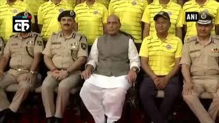 राजनाथ सिंह ने बीएसएफ माउंट एवरेस्ट अभियान के सदस्यों को सम्मानित किया