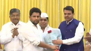 2019 Lok Sabha polls- Maharashtra Congress leader's son Sujay Vikhe Patil joins BJP