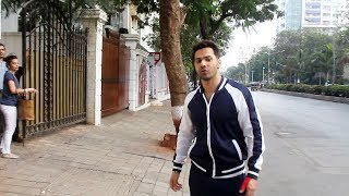 Varun Dhawan Snapped For Clinical Sessions At Juhu