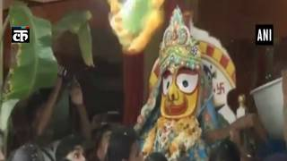 सिलीगुड़ी के इस्कॉन मंदिर में एसयूवी में निकाली गई भव्य रथ यात्रा