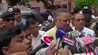 मुख्यमंत्री रमन सिंह ने छत्तीसगढ़ के गवर्नर को श्रद्धांजलि अर्पित की