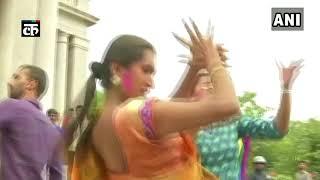 कर्नाटक: समलैंगिकता पर आए SC के फैसले से झूमते LGBT के सदस्य