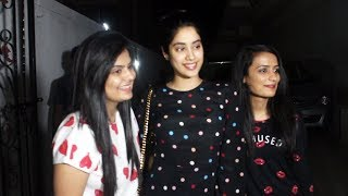 Janhvi Kapoor Sweet Gesture Towards Her Fans Will Melt Your Heart