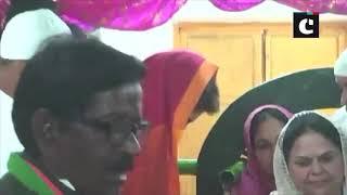 Priyanka Gandhi visits Dargah of Khwaja Janab Ismail Chishti